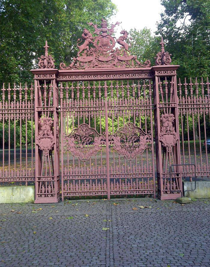 The Queenu0027s Gates After Restoration. U201cThe Same Color Has Been Found On The  External