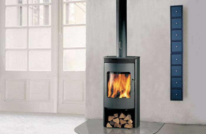 10 Easy Pieces: Freestanding Wood Stoves - Gardenista