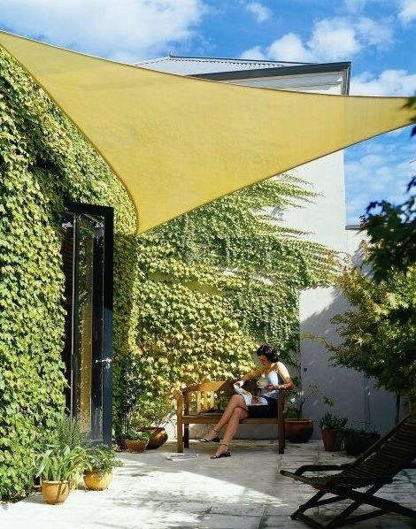 10 easy pieces outdoor shading gardenista for Colorado shade sail
