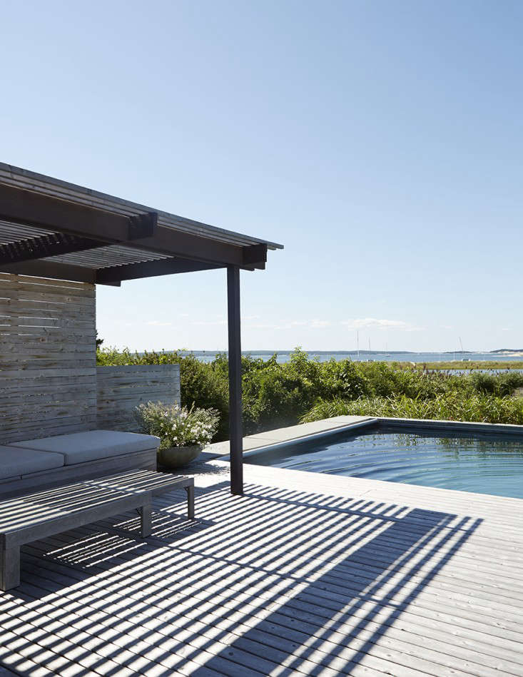 Shelter_Island_Ochre_Canvas_Home_garden_gardenista_Pool-Seating-1-e1467649960876