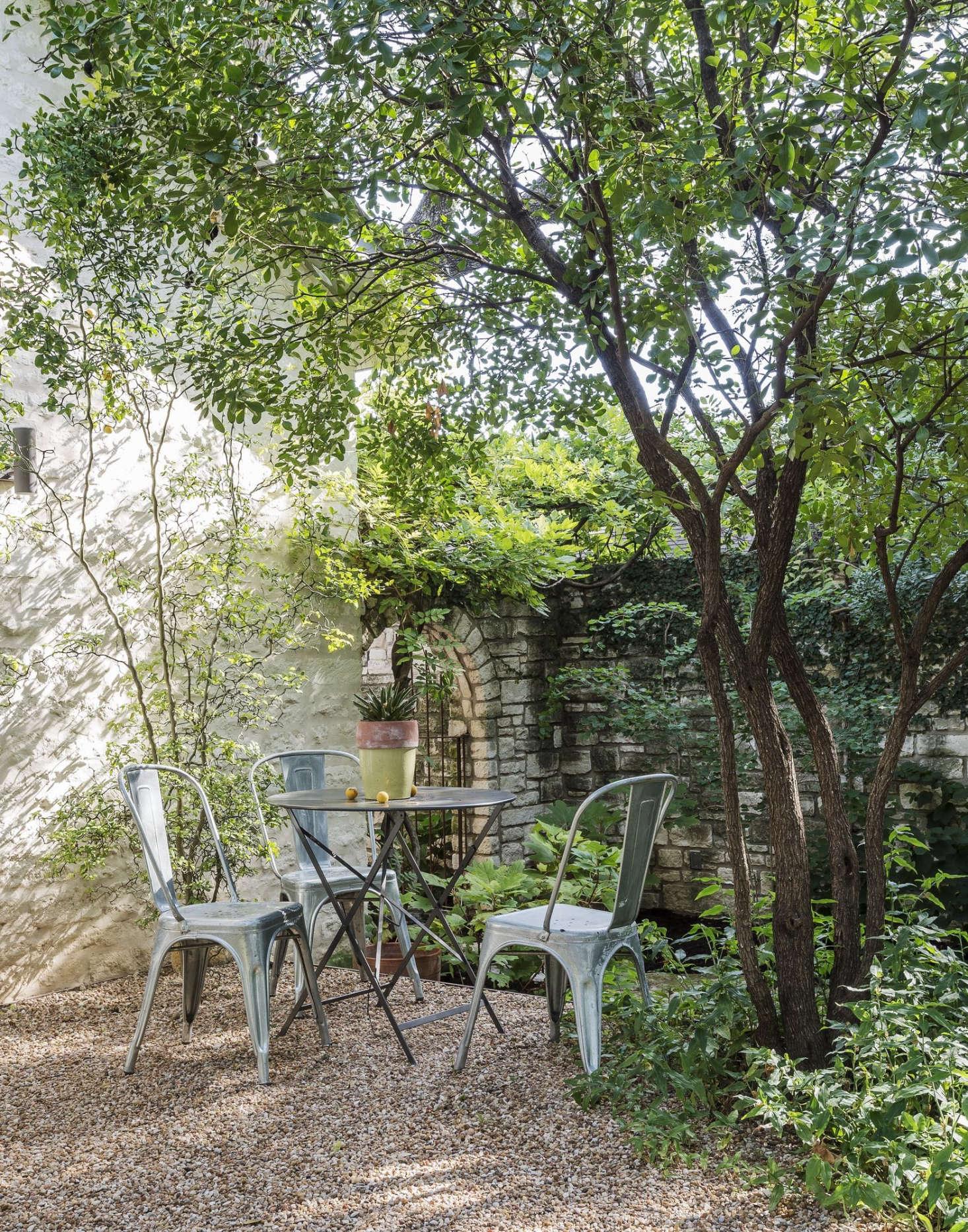 The New Gravel Backyard: 10 Inspiring Landscape Designs ...