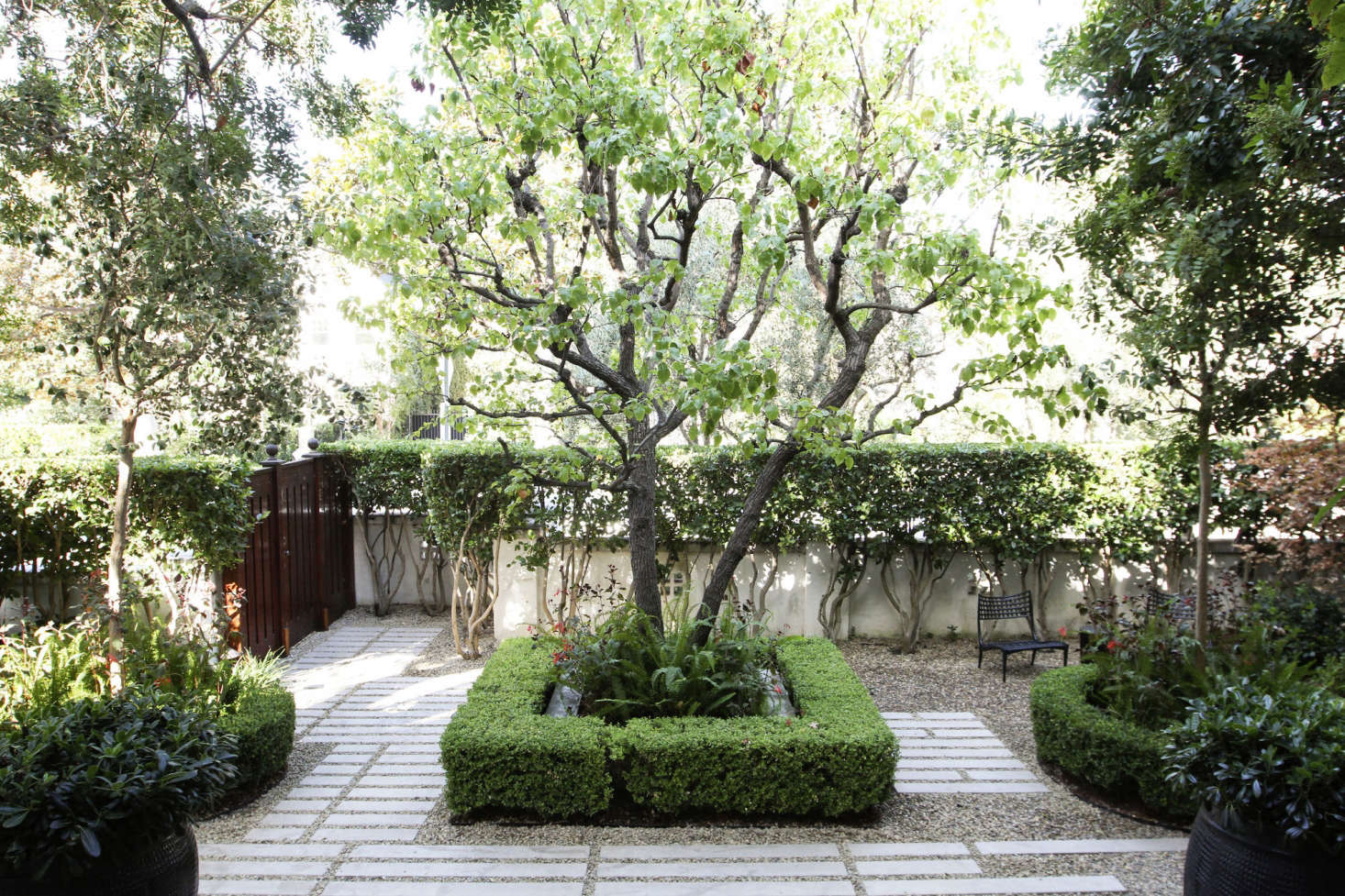 The New Gravel Backyard: 10 Inspiring Landscape Designs ... on Backyard Rocks  id=97528