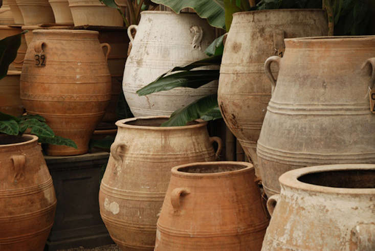 10 Easy Pieces Rainwater Collection Urns Gardenista
