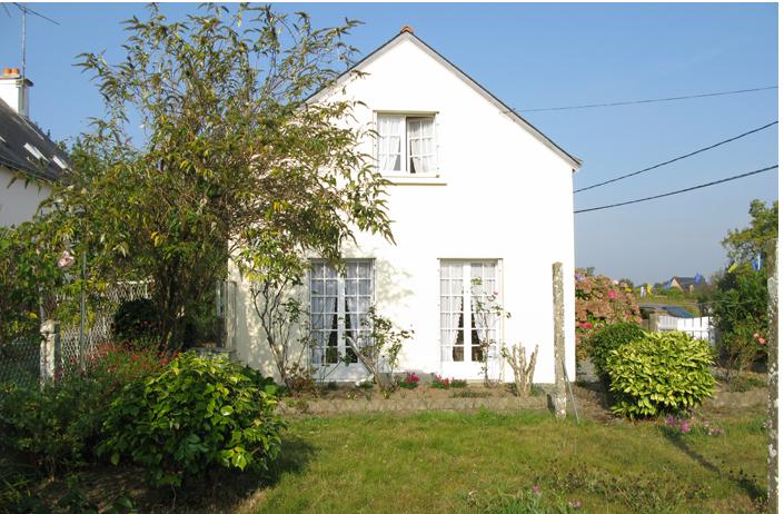 NeM Architects vacation cottage Brittany ; Gardenista