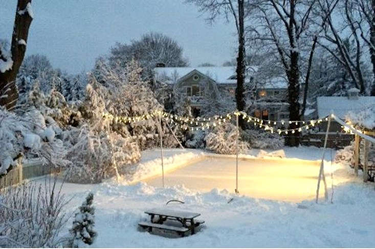 backyard-ice-skating-rink-gardenista-11 - Hardscaping 101: Backyard Ice Skating Rinks - Gardenista