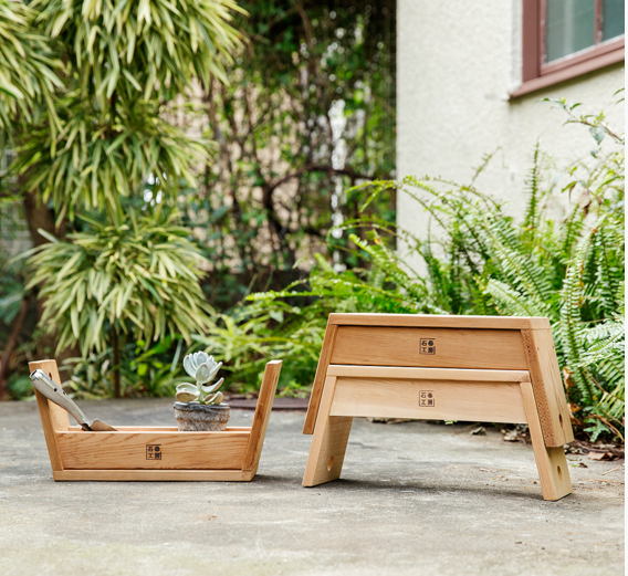 Garden Japanese Carry Stool 5 Gardenista