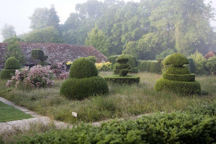 Meadows book-Topiary Lawn-Gardenista
