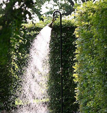 10 Easy Pieces: Freestanding Outdoor Showers