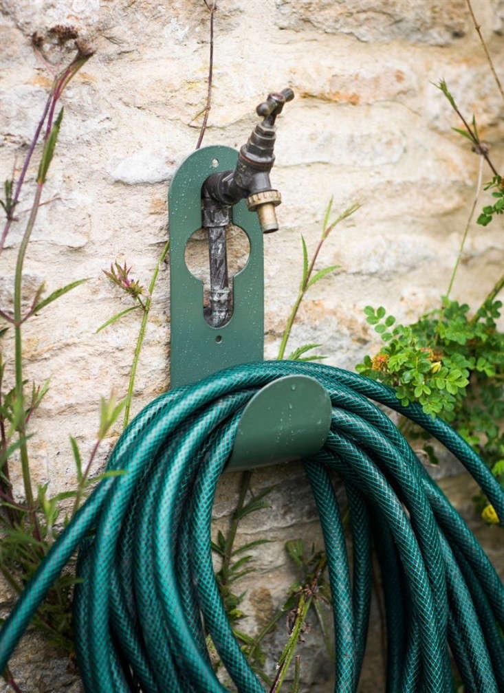 Hose Hanger Hook Gardenista