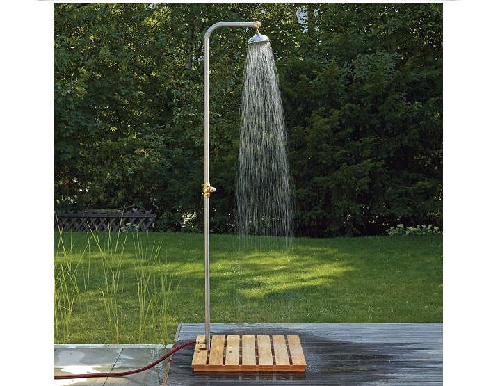 Instant Outdoor Shower Gardenista 1
