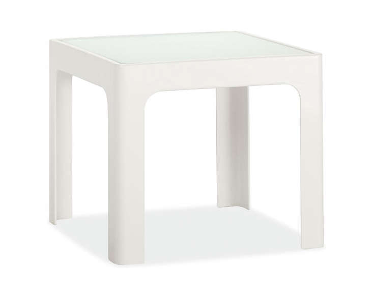 Easy Pieces White Side Tables For Patio Or Porch Gardenista - 17 inch high coffee table