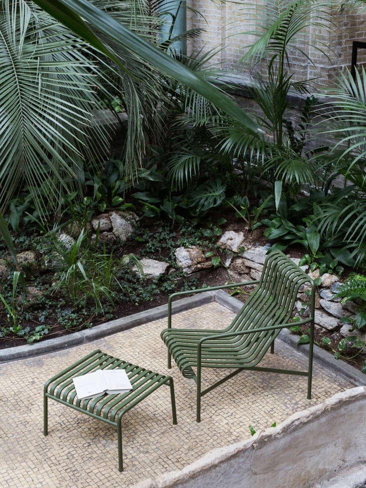 Outdoor Furniture: Metal Lawn Chairs Made Modern - Gardenista