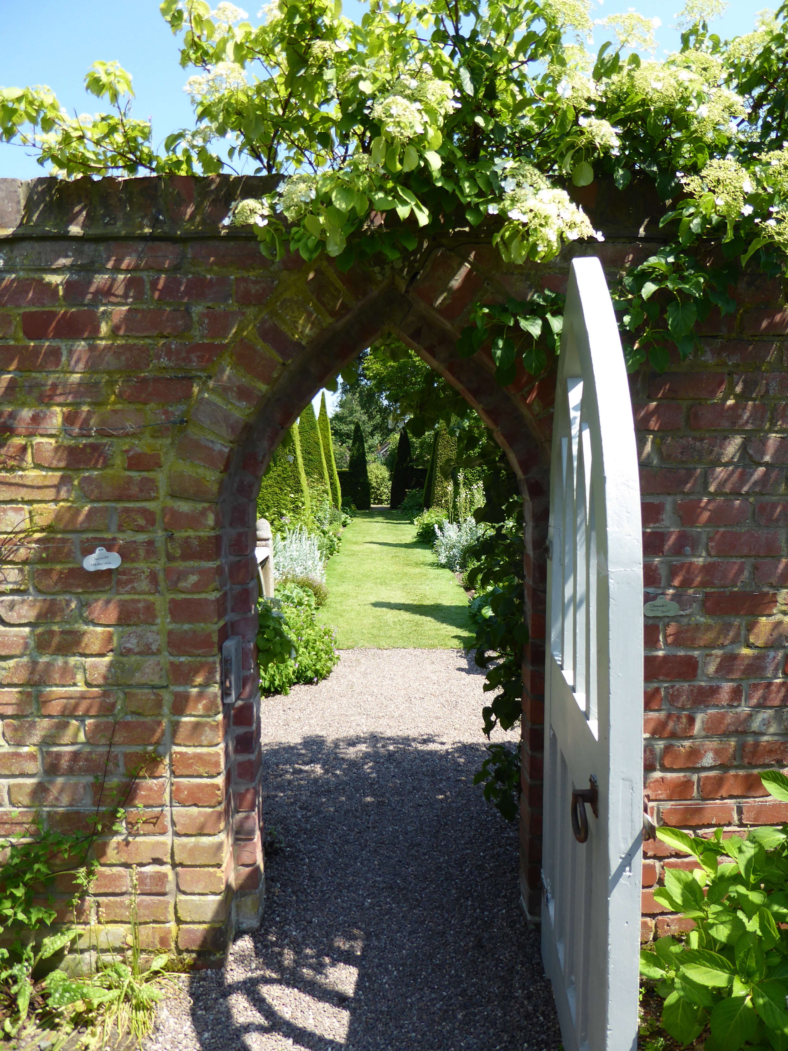 10 Garden Ideas to Steal from Wollerton Old Hall in Shropshire ...