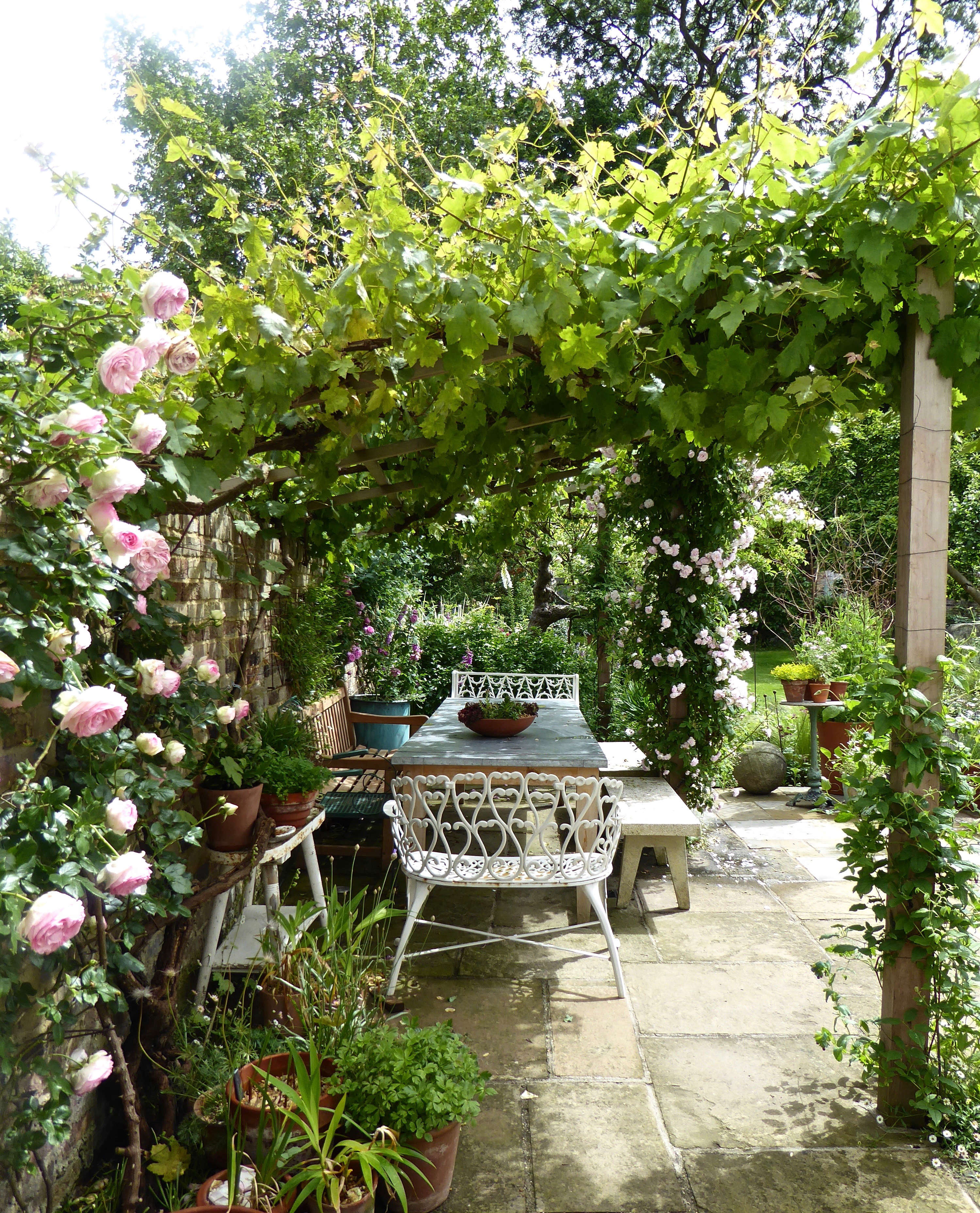 Country Garden Decorating Ideas Lovely Photograph: Garden Visit: At Home With Writer Daisy Garnett In London