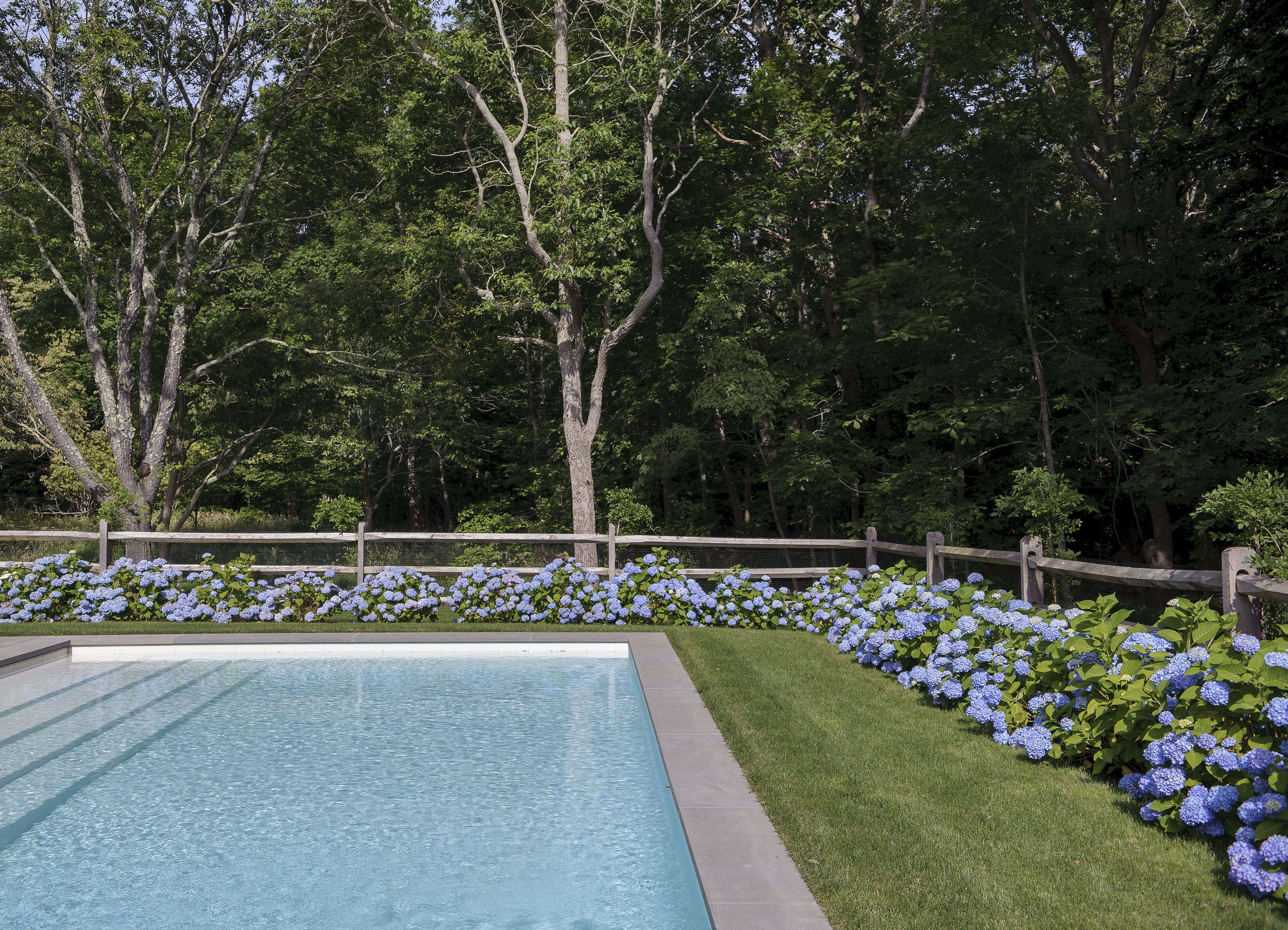 Swimming Pool Of The Week Dreaming In Blue At A Stylist S