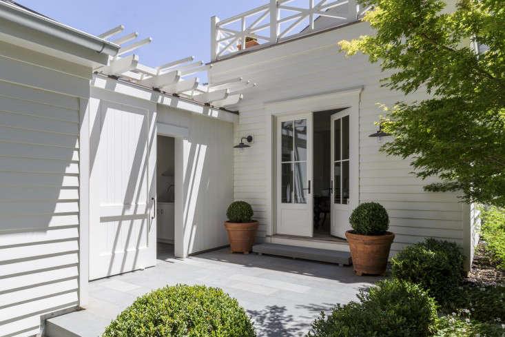 在芭芭拉·库茨福德的公寓里,两个在加州的公寓里,一个金发女孩,在一个金发的森林和马基达·库拉,一起住在一起。186号18666千