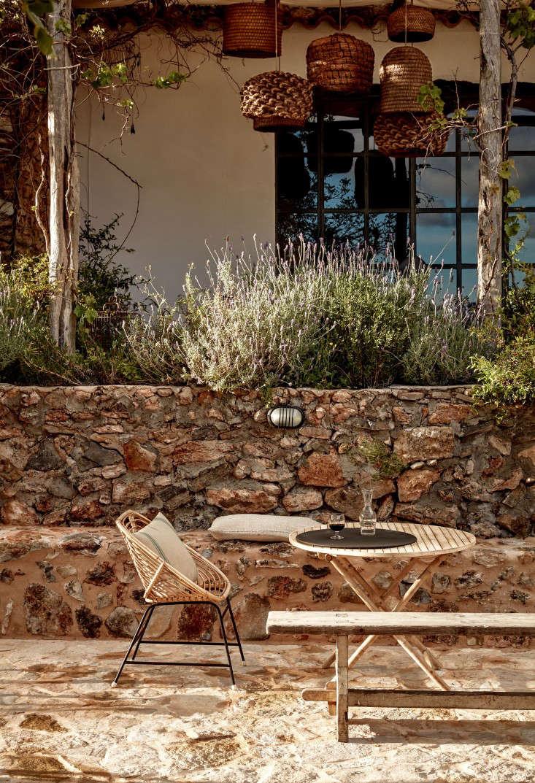 hotel-La-Granja-ibiza-stone-wall-gardenista