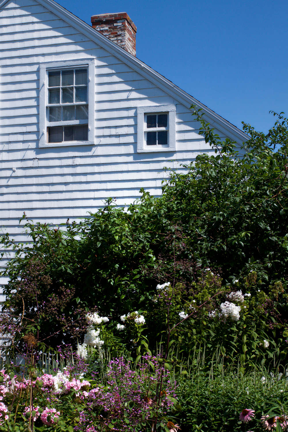 10 Ideas To Steal For Gardens Of Ptown, Diagonal Lines, Gardenista