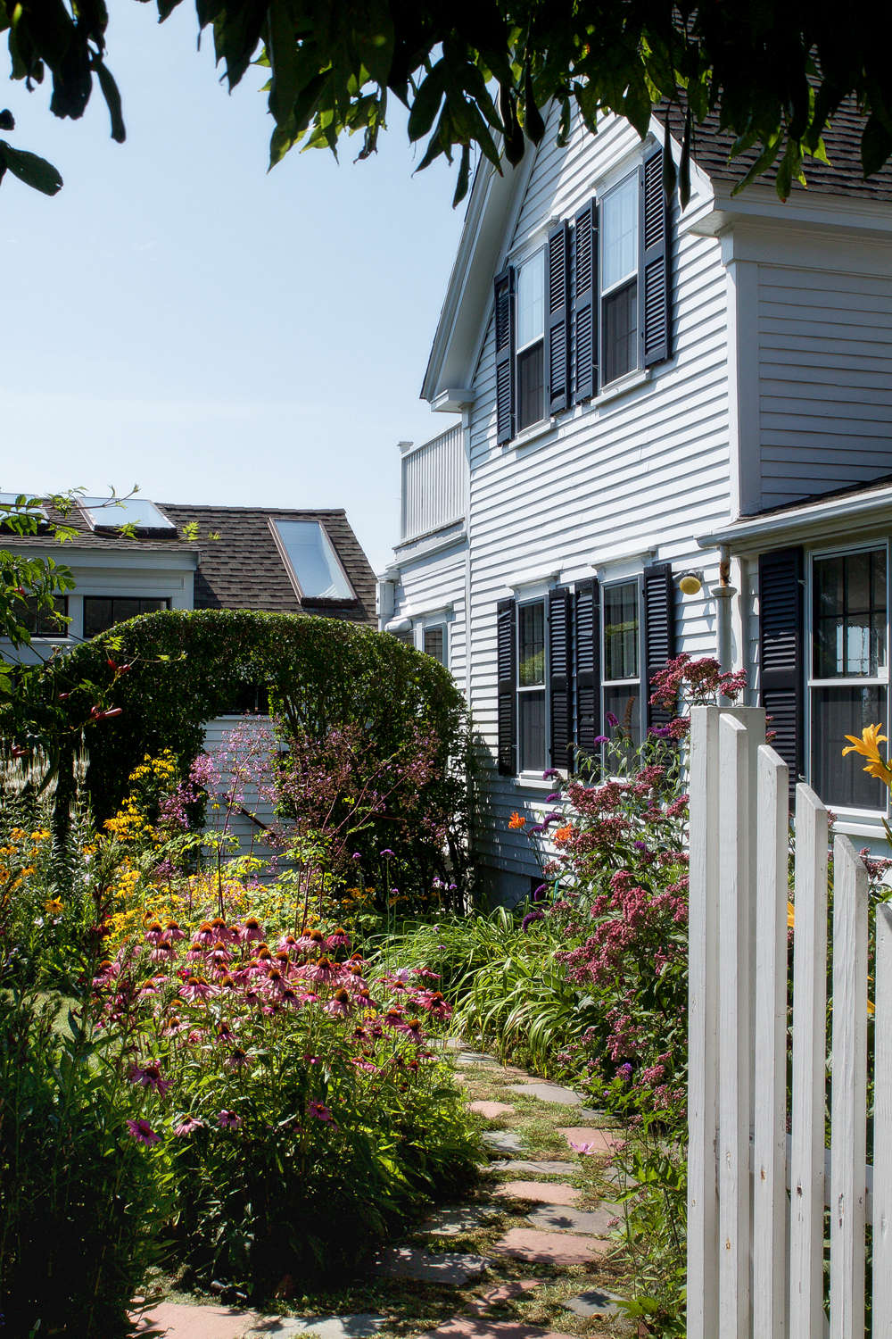 10 ideas to steal for gardens of ptown wisteria arch gardenista