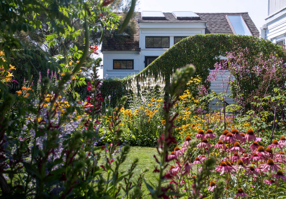 10 Ideas to Steal from Ptown Gardens, hedge rooms, Gardenista