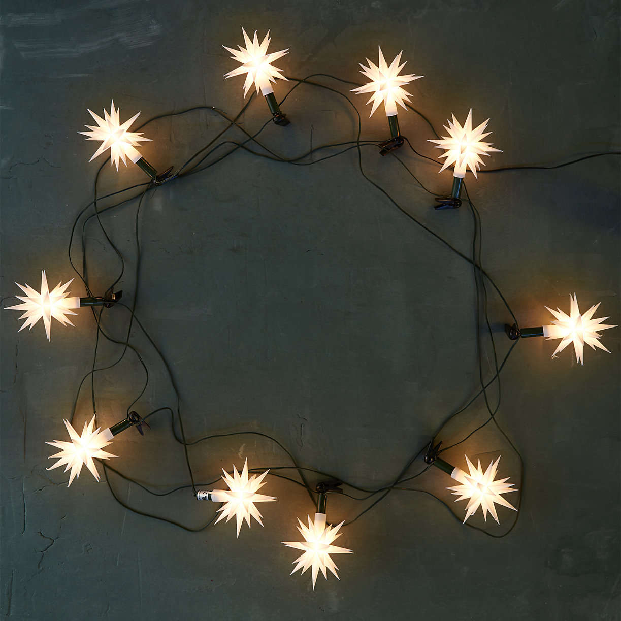 herrnhut-star-shaped-christmas-holiday-lights-from-terrain