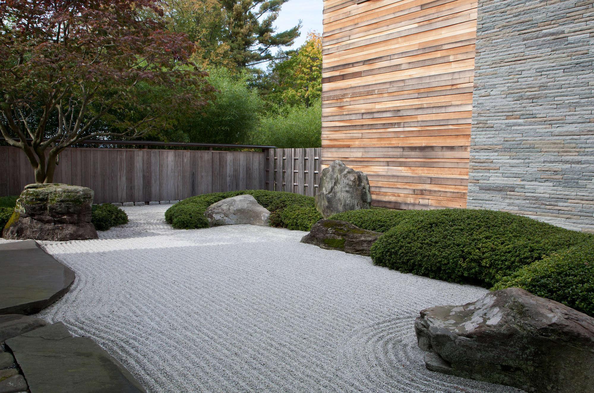 japanese-inspired-sand-ocean-garden-raked