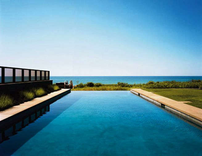 Residents of this serene home by Deborah Berke Partners can choose between their infinity pool or the ocean when they're ready to take a dip. For more from NYC-based Berke, see Architect Visit: Deborah Berke and Suzanne Shaker in Shelter Island.