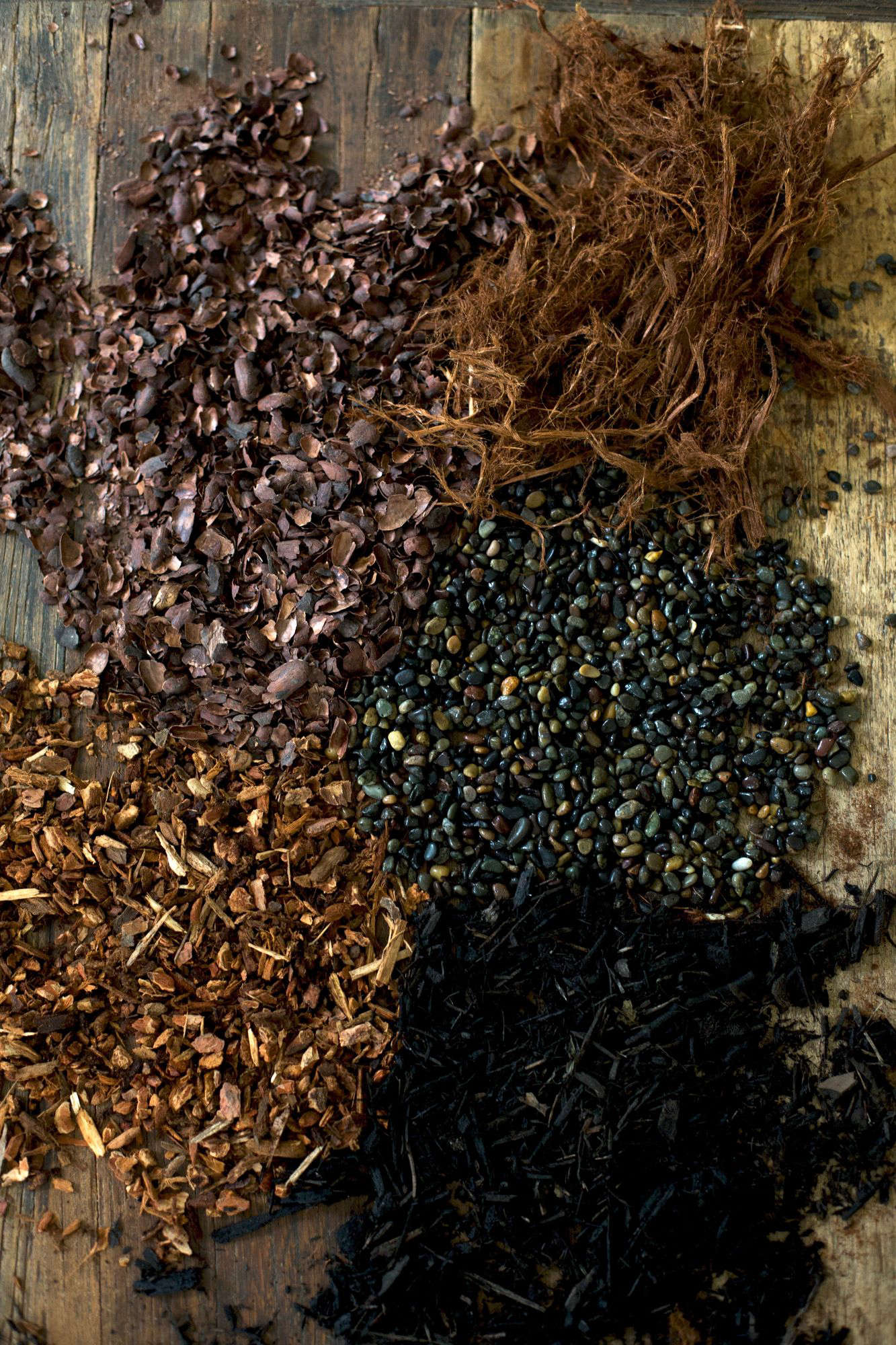 Charmant Our Favorite Mulches Include (clockwise, From Bottom Right) Black Bark,