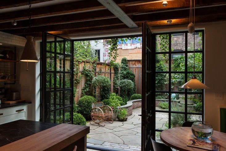 The Cult of the Courtyard: 10 Backyard Ideas for Small ... on Courtyard Pond Ideas id=15783