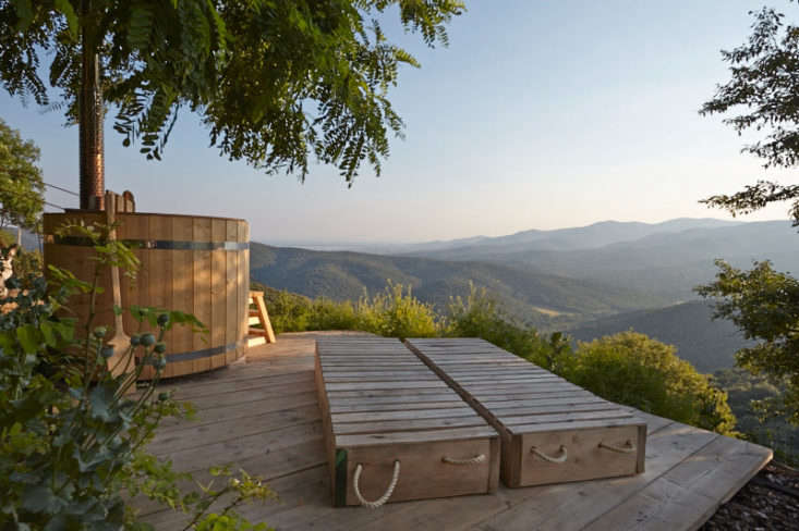 The New Outdoor Bath 10 Open Air Tubs For Summer Soaks