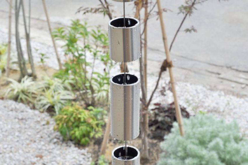 A large diameter Toh L Rain Chain