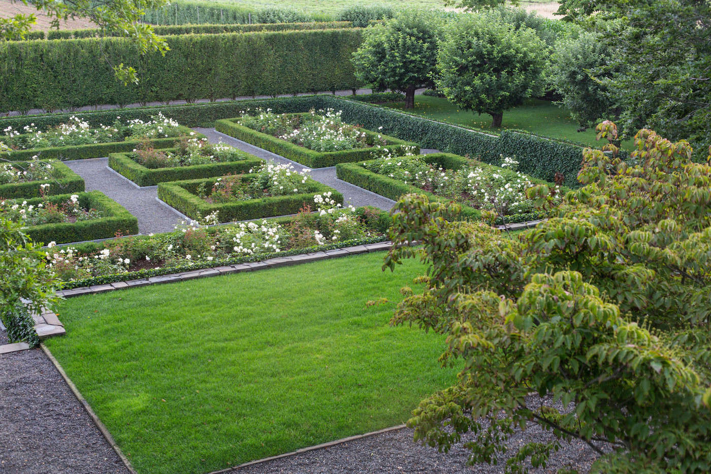 sunken rose garden quincy hammond hamptons - 12+ New House Small Garden Design  Pics