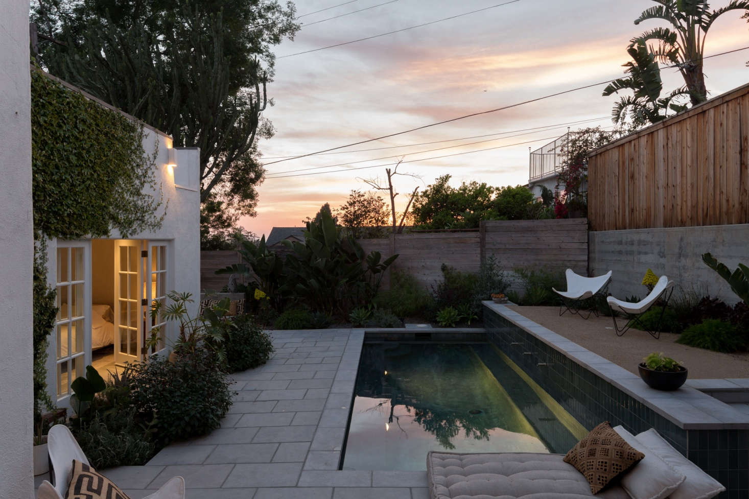 Garden Visit Spanish Colonial Style Made Modern In La