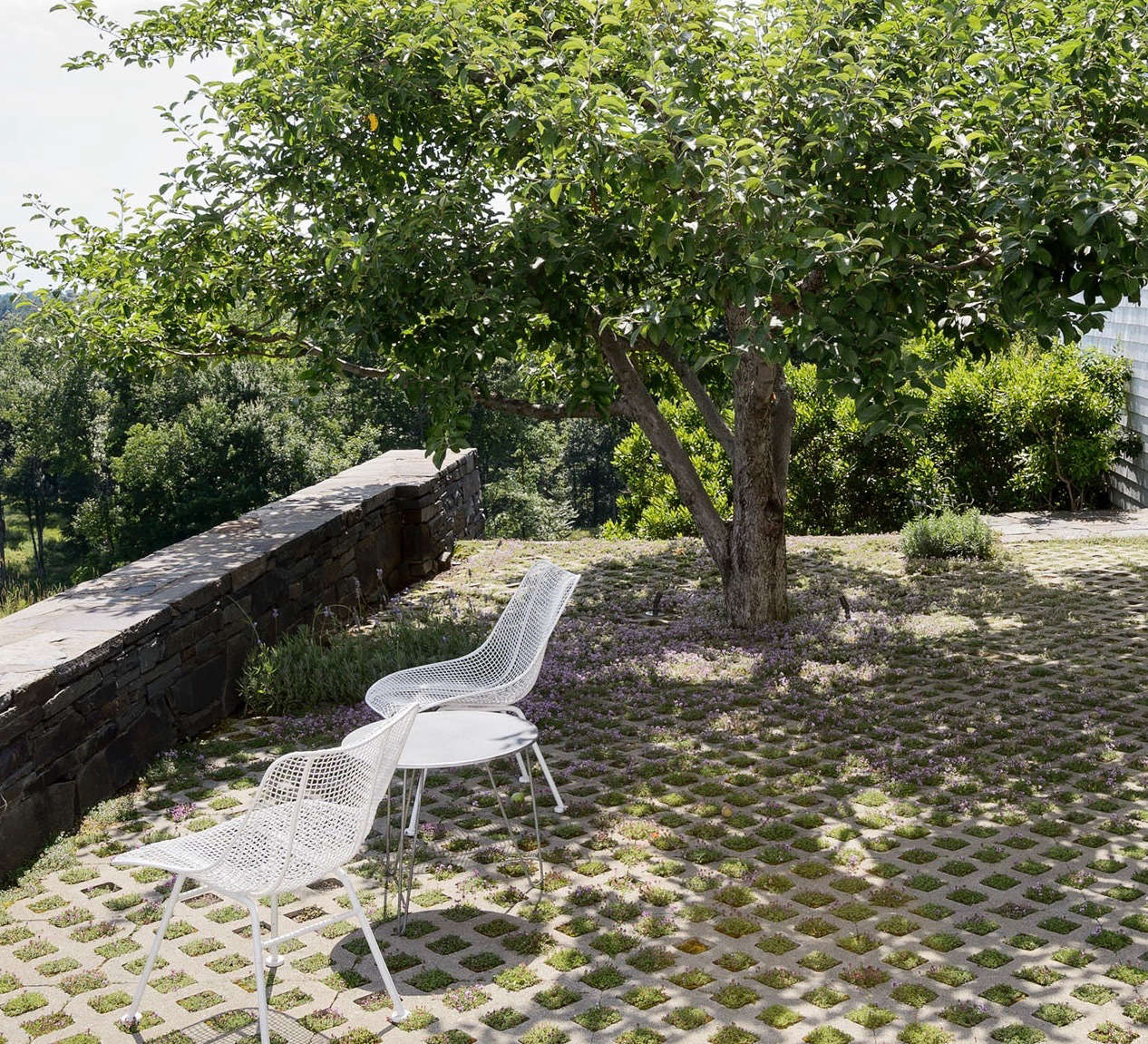 high low wire chair by russell woodard gardenista