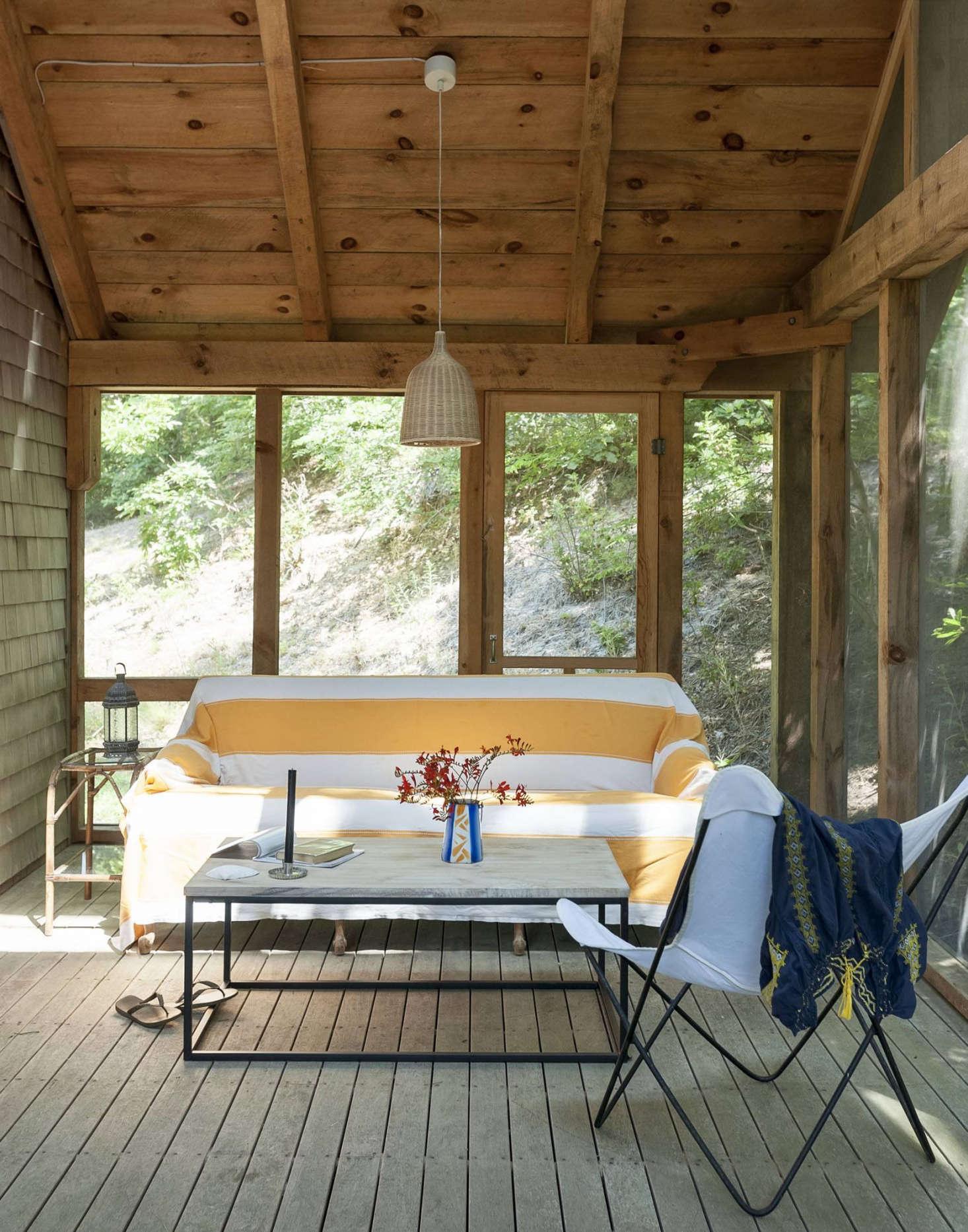 一个精心设计的建筑,一个木头的地下室,一个名叫安藤的圣安布·安林家
