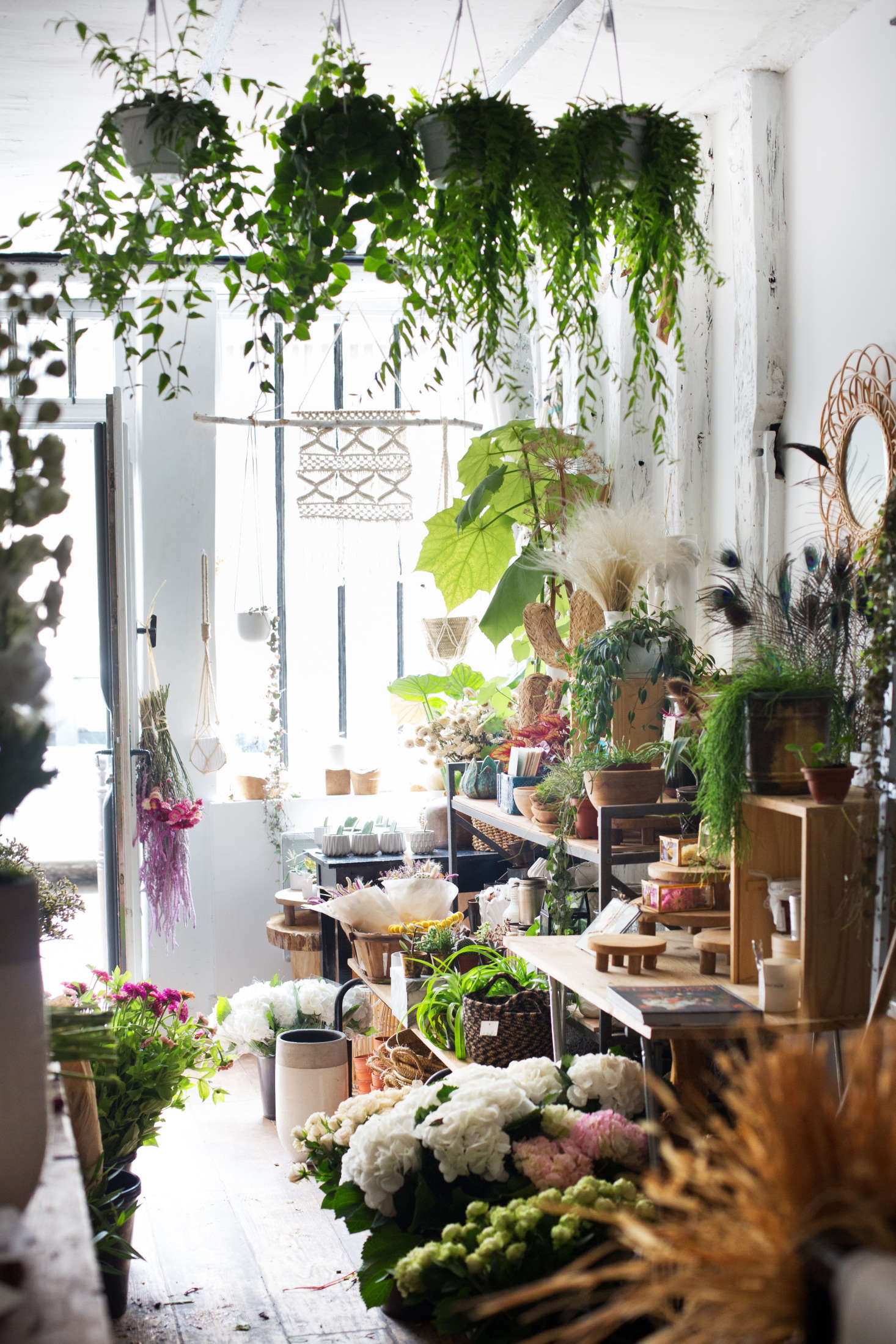 Chic Techniques 10 Ideas to Steal from a Parisian Florist Gardenista