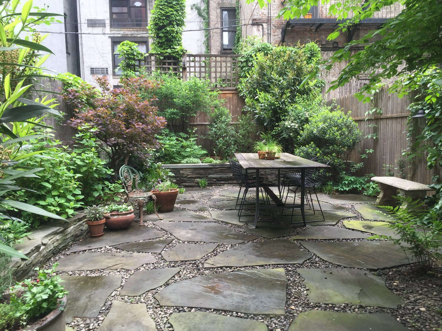 Rental Garden Makeovers: 10 Best Budget Ideas for an ... on Small Backyard Patio Ideas On A Budget id=85824