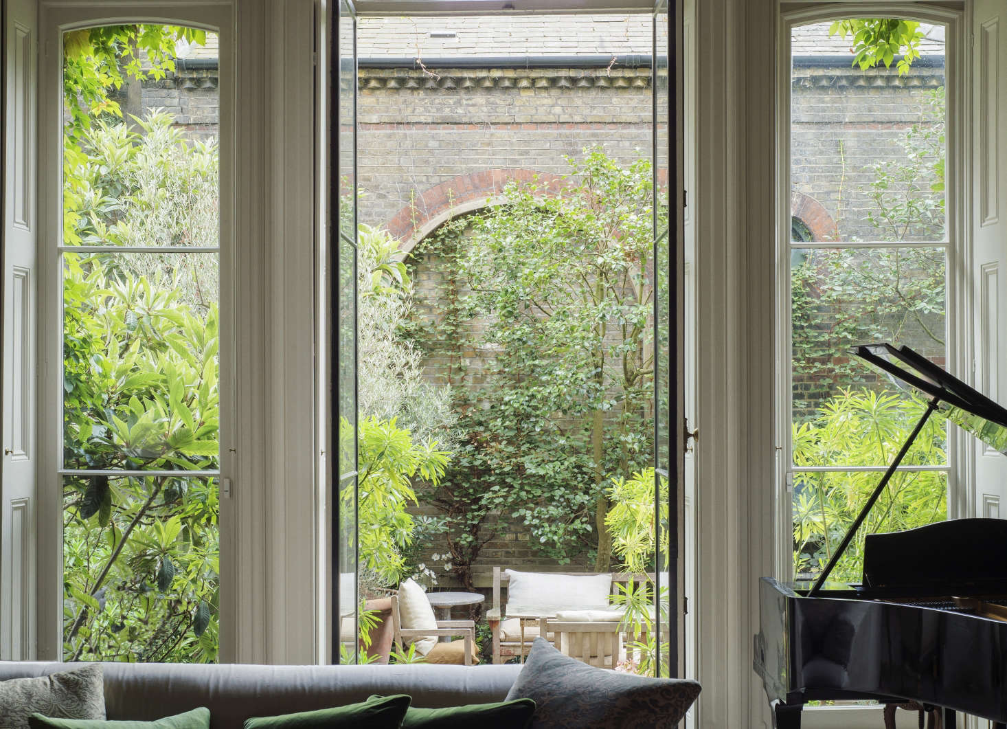 London-based designer Rose Uniacke's roof garden enjoys full sun. Photograph by Matthew Williams for Gardenista.