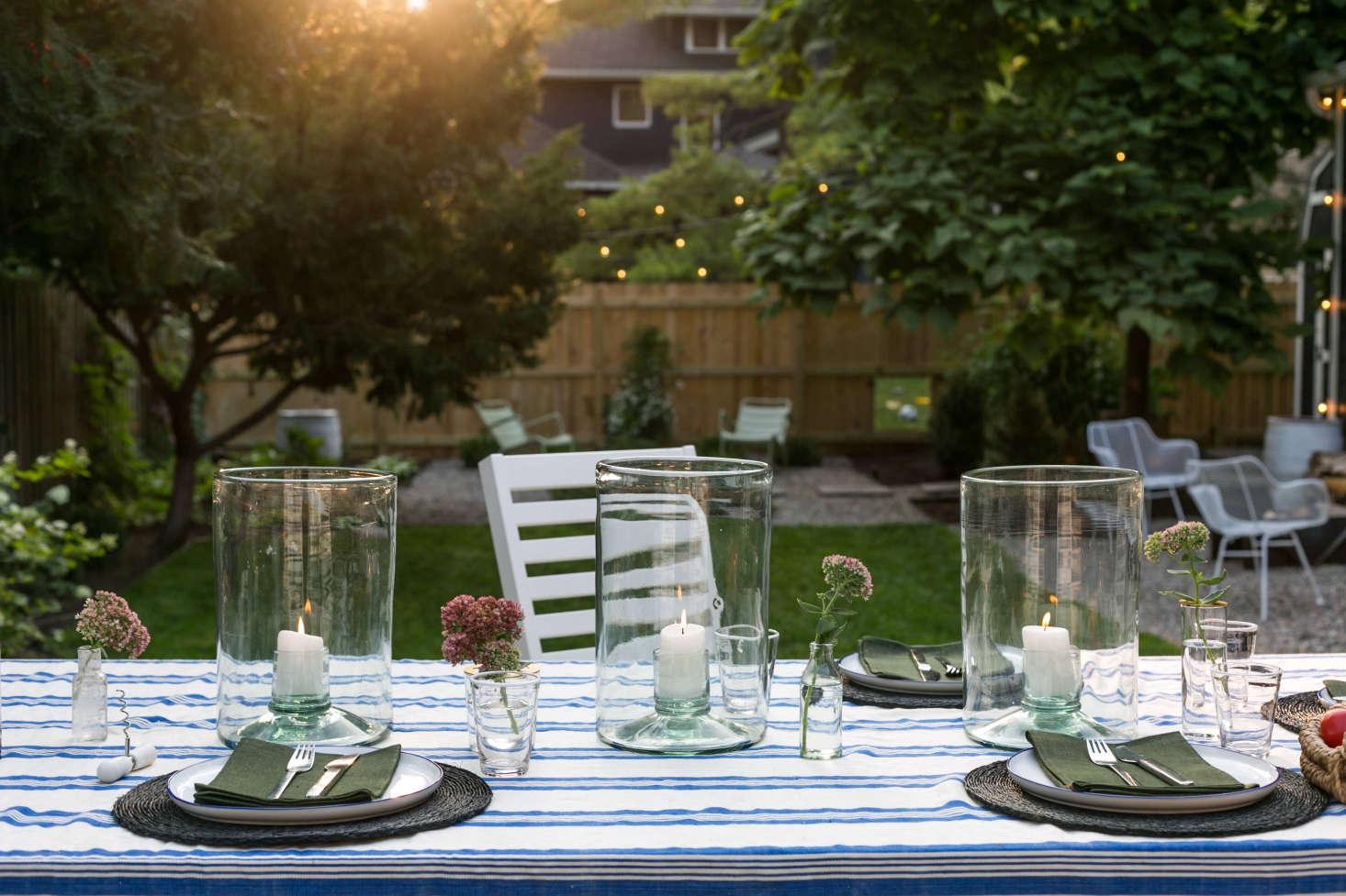 在餐桌上,意大利的一团是塞隆西亚·塞普勒斯·塞普勒斯!在46杯马丁尼。