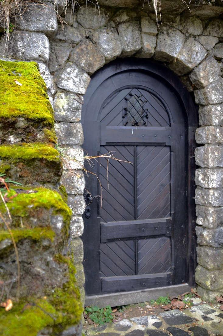 transylvania garden ideas mossy stonework at Bran Castle Transylvania