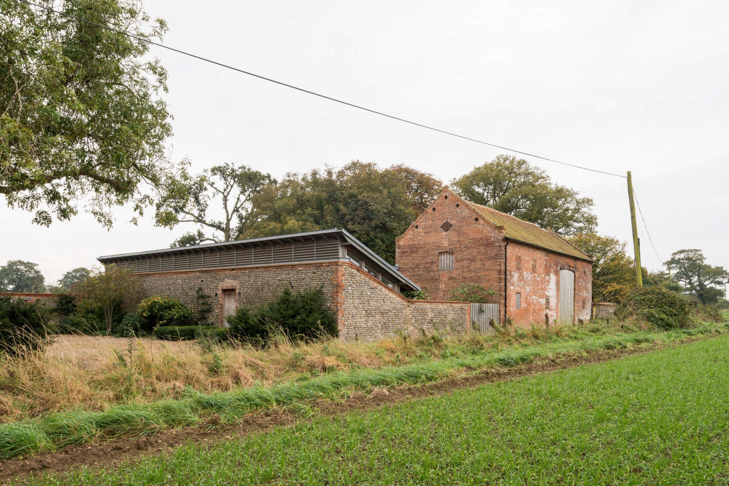 """""""At the moment we just use the barn for parties and entertaining—t's such a lovely luxury to have this beautiful Georgian barn at your disposal, although when we bought it it was being used as farm storage, and was filled with old tractors and hay,"""" said Erlam."""