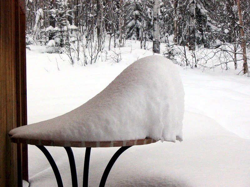有些天气……天气很糟糕,这场噩梦,在周二的雪雪,并不会被拖雪的。家具?可能帮助。道格·麦克格维尔的照片。