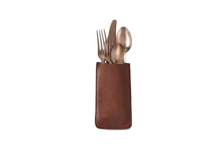 Organize holiday table settings with flatware pouches. See our favorites in this week&#8