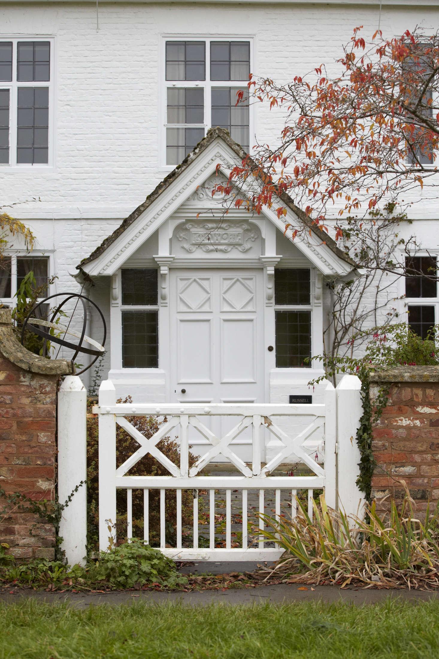 Get the Look: The English Garden Gate, 10 Ways - Gardenista