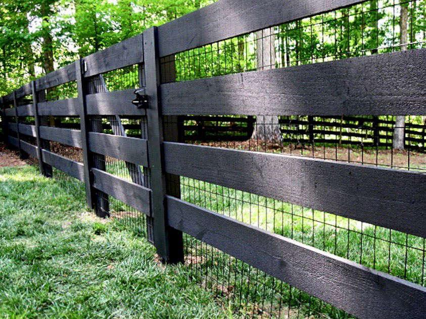 10 Easy Pieces Black Wire Fencing Gardenista