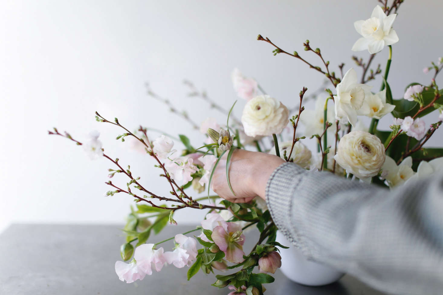 Flower Arrangements 101: A Crash Course for Easy and Elegant Florals ...