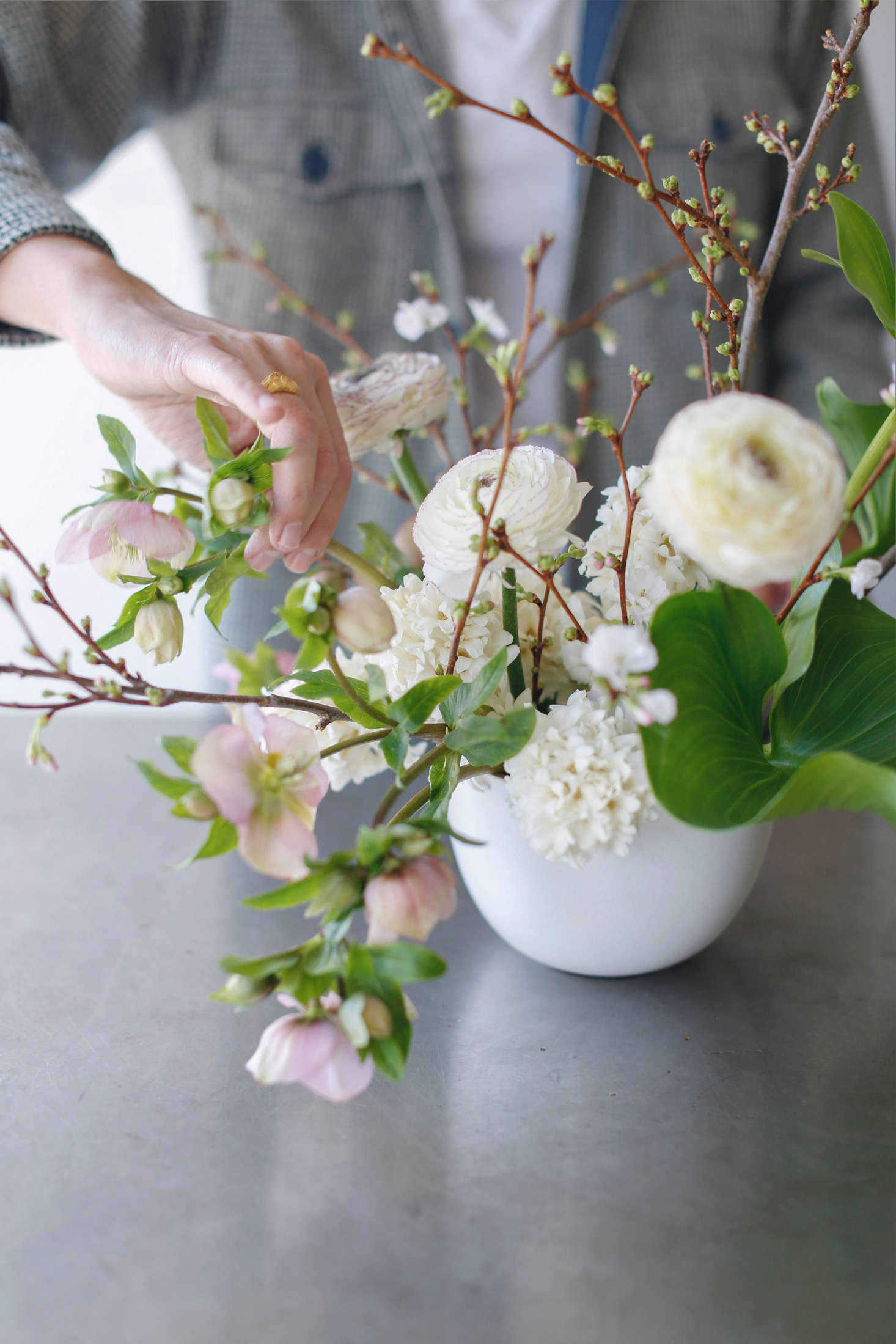 Flower Arrangements 101 A Crash Course For Easy And Elegant Florals Gardenista