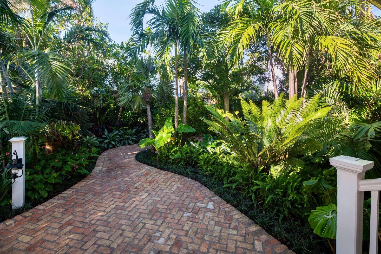 Key West S Secret Garden A Modern Landscape For An Author S