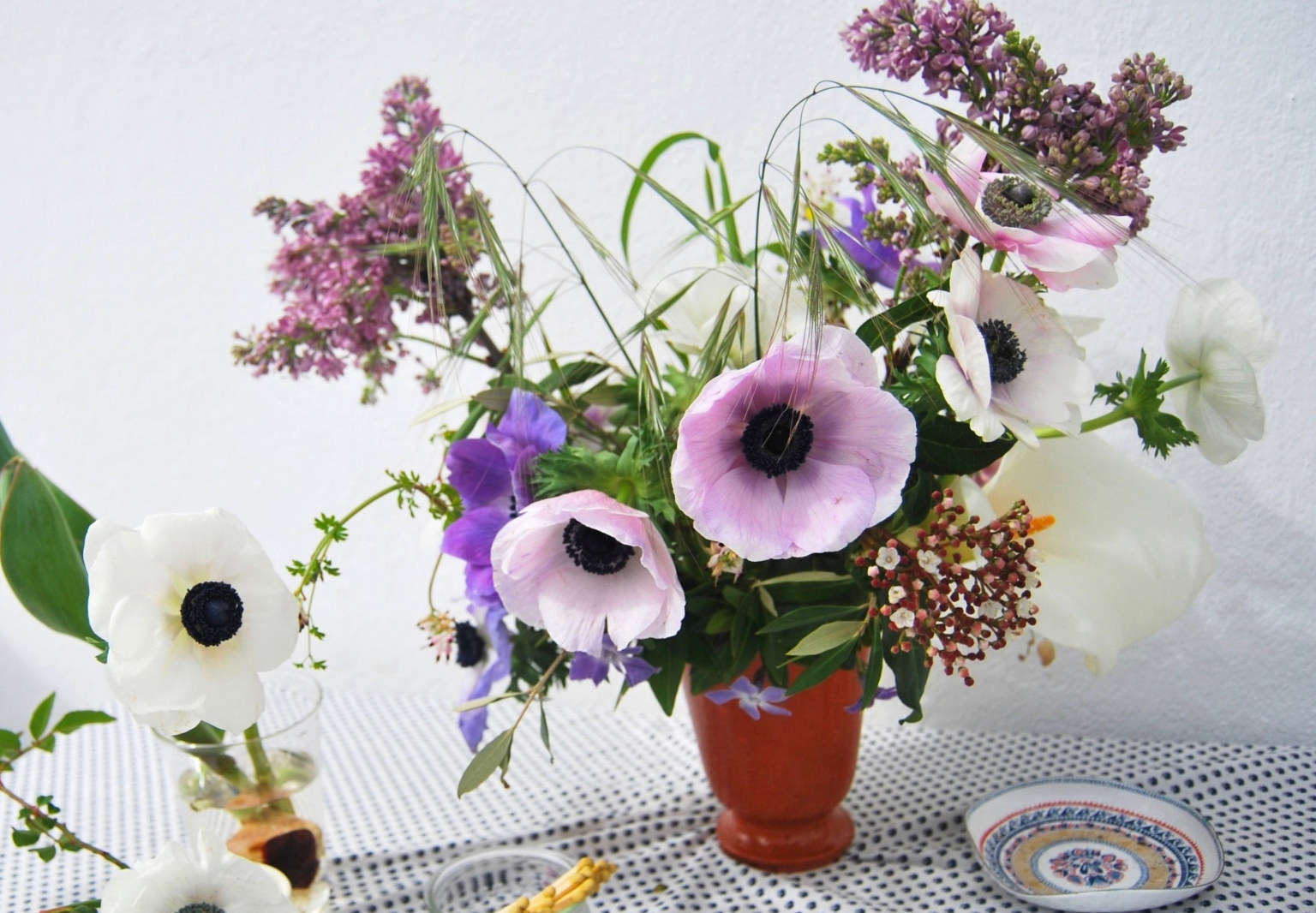 Rethinking Anemones Arranging A Delicate Spring Flower Gardenista