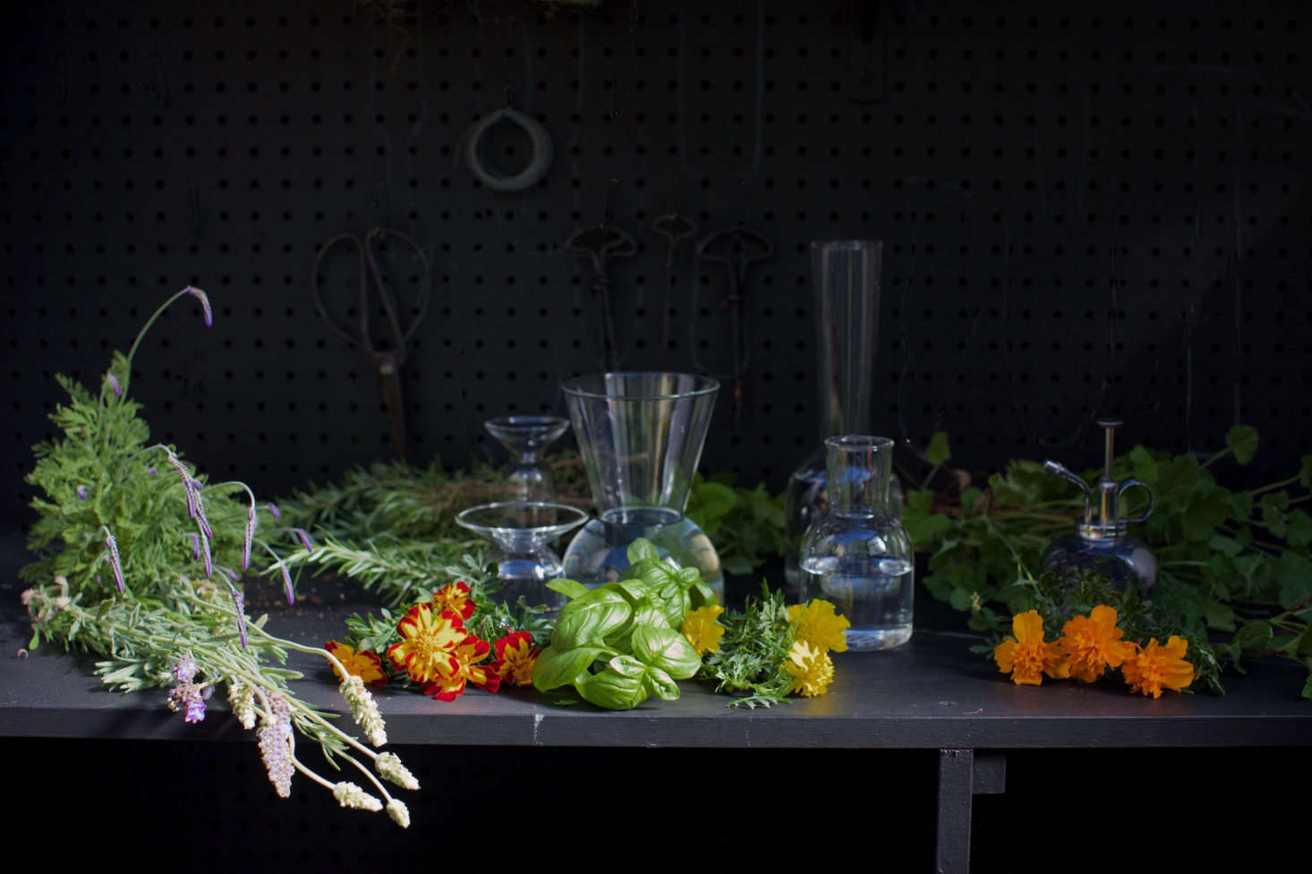 Marigolds, basil, and other herbs also mingle in Michelle&#8